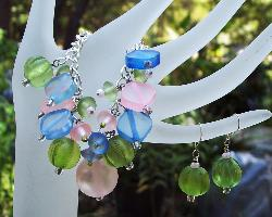 Acrylic Bead Dangle Bracelet