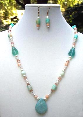 Green Aventurine & Pearl Necklace & Earring Set