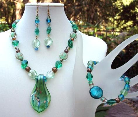 Emerald Glass Nugget Necklace Bracelet & Earring Set