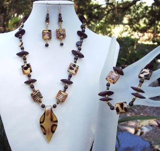 Wild Animals Glass & Wood Necklace Bracelel & Earring Set